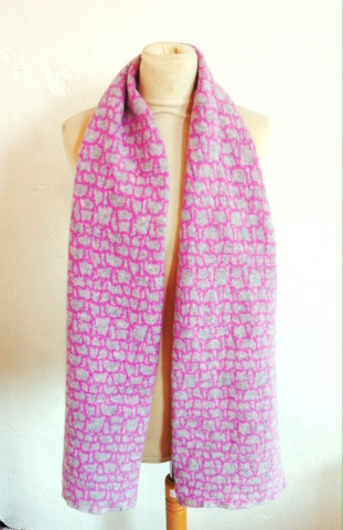 Pink stone scarf