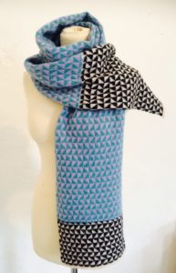 Mono Triangles Scarf